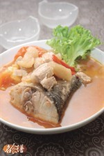 Mackerel Soup with Pickled Radish and Tomato Recipe 菜脯番茄鲛鱼汤食谱